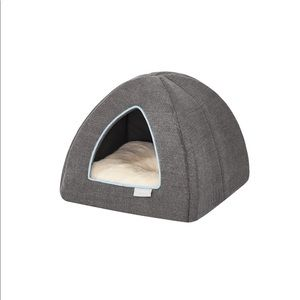 NEW Frisco pet bed